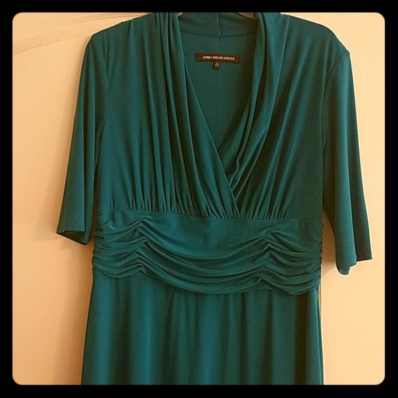 Jones Wear Dresses & Skirts - Size 14 Jones Wear dress, 3/4 length sleeve